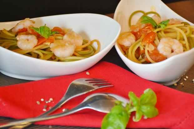 spaghetti-noodles-tomatoes-pasta-162697.jpeg
